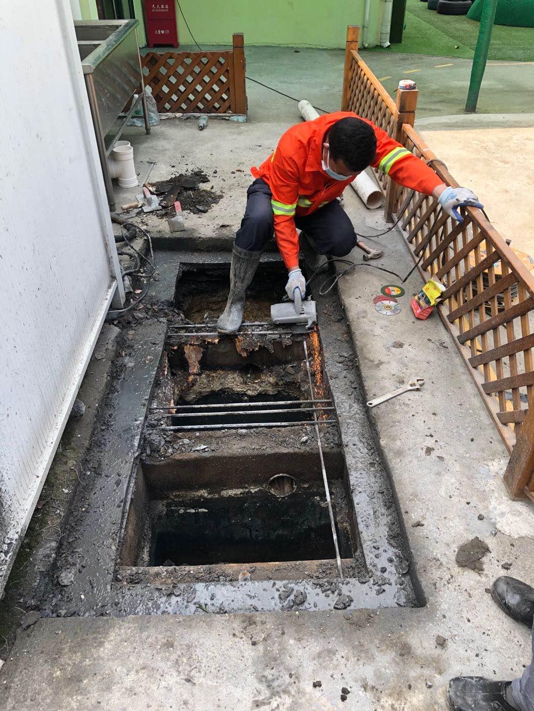 隔油池改造-上海闵行区玻璃钢隔油池-隔油池清理服务